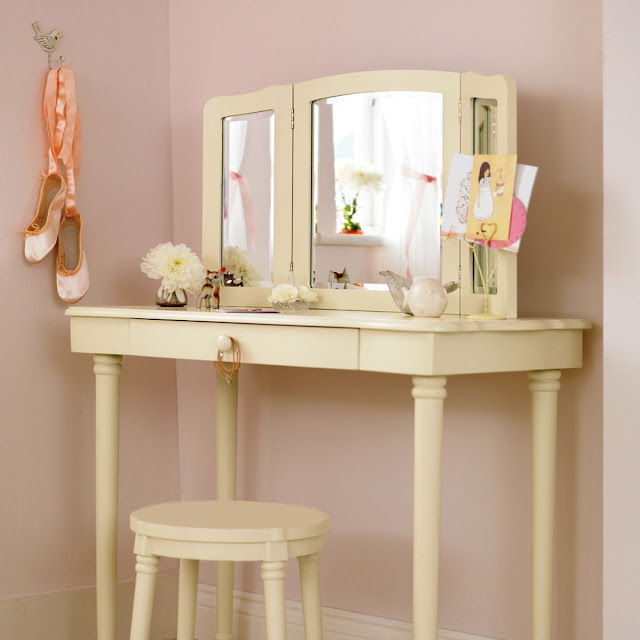 cream colored corner vanity table design with vanity stool bench