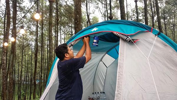 Tenda VVIP glamping ngebar berkomunikasi