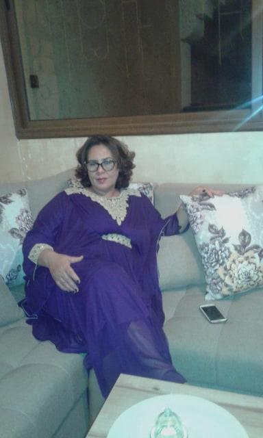 حليمة 50 سنة مسلمة أريد الزواج من رجل إنجليزي