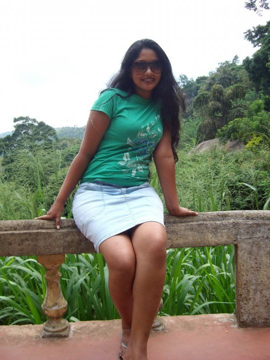 Sri lankan model anusha rajapaksha sex video 4