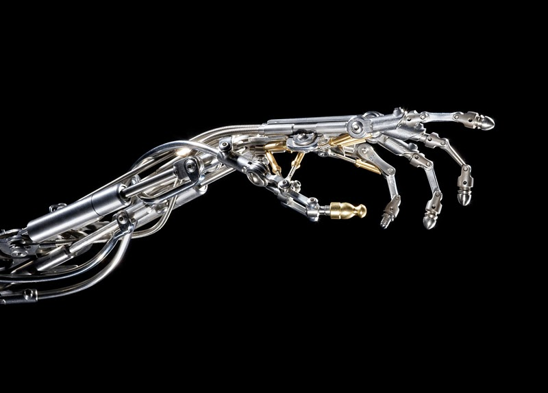 05-Biomechanical-Arm-Christopher-Conte-Beauty-in-Biomechanical-Sculptures-www-designstack-co
