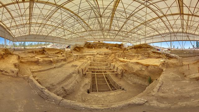 No wars in Catalhoyuk for 4,000 years