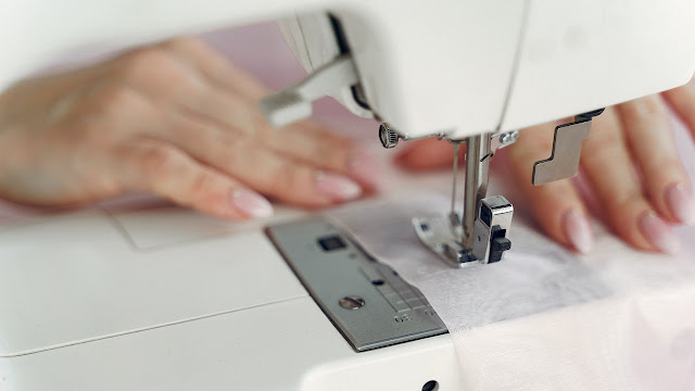 The Two Best and Fast Overlock Sewing Machines