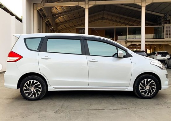Review Mobil Suzuki Ertiga Dreza