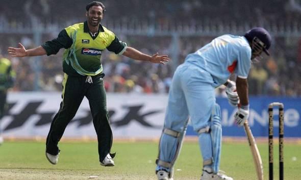 शोएब अख्तर बोले- 2011 world cup में मैं होता तो भारतीय बल्लेबाजों की पसलियां तोड़ देता