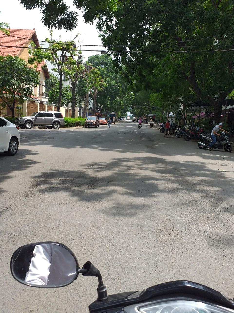 Bán nhà nát Quận 7 giá rẻ, đường Huỳnh Tấn Phát, ngay Khu phức hợp La Casa. DT 5x16m