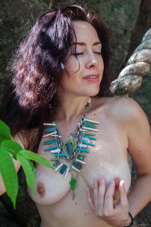 8703024994 [EroticBeauty] Madivya - In The Jungle