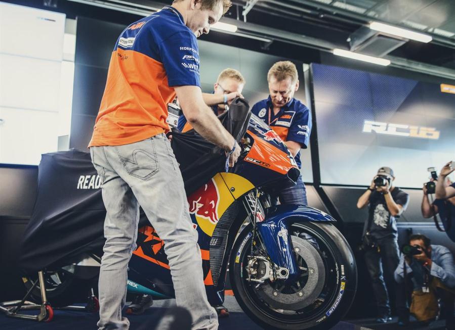 Foto dan video  KTM RC16 yang sudah siap untuk balapan di MotoGP musim 2017 mendatang