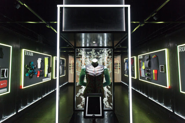 Green Pear Diaries, interiorismo, retail, pop up store, Nike Shipping Container