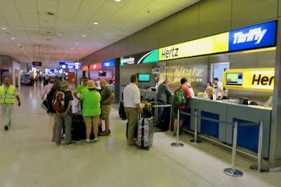 predstavnistvo rent a car agencija na aerodromu u Atini