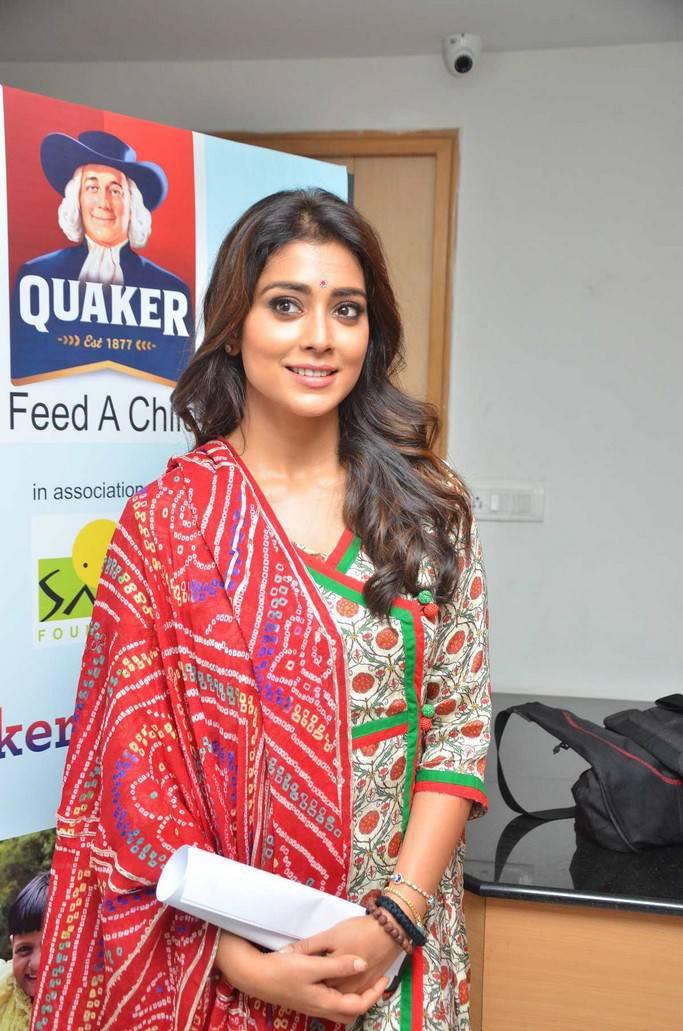 Meenakshi Dixit and Shriya Saran At Quaker Feed A Child Campaign Pics