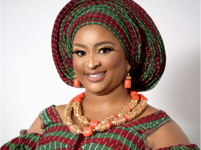 """""""Focus on my post or mind your business"""" – Etinosa slams those digging dirt on her from loved ones"""