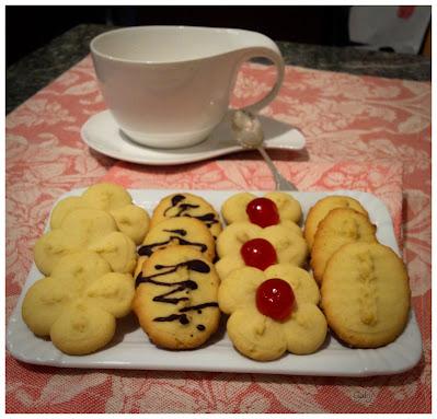 Biscotti di frolla montata… con la sparabiscotti…