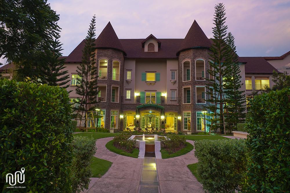 ภาพบรรยากาศโรงแรม U Khao Yai ตอนกลางคืน