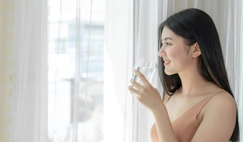 Perbanyak konsumsi air putih