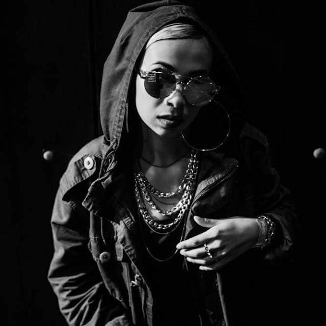 A cantora Alt Niss é a nova contratada da Boogie Naipe