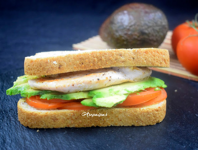 Sándwich de Pavo con Aguacate y Tomate. Vídeo Receta