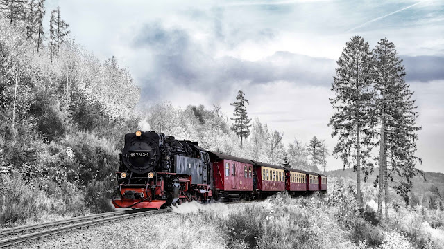 train wallpaper 4k