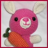 Conejito rosa amigurumi