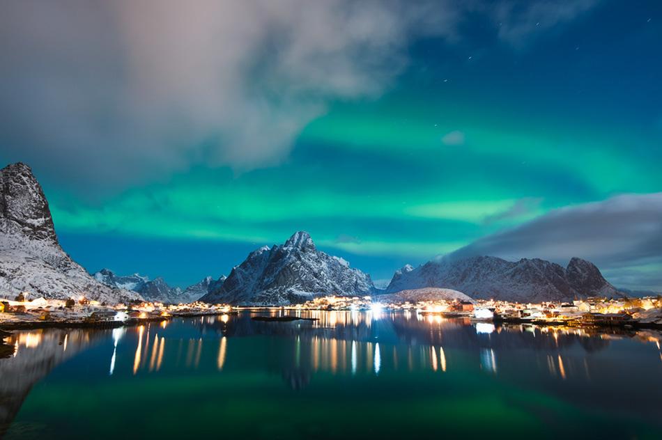 Северное сияние в Рейне, Норвегия