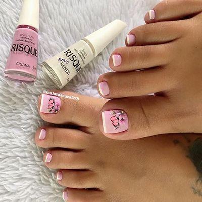 unhas decoradas com esmalte rosa 9
