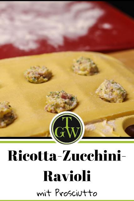 Ravioli selber machen - gefüllt mit Ricotta, Zucchini und Prosciutto #ravioli #selbermachen #ricotta