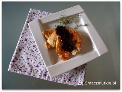 Filet z grilla z oscypkiem i konfiturą z czarnej porzeczki