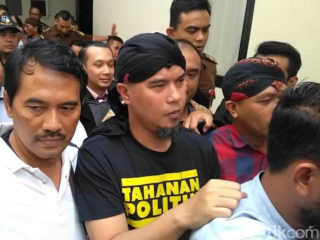 Jokowi Takut Elektabilitasnya Tergerus Bila Ahmad Dhani Tetap di Jakarta