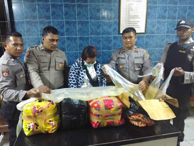 Polisi Gagalkan Penyeludupan Ratusan Liter Sopi dari Ambon