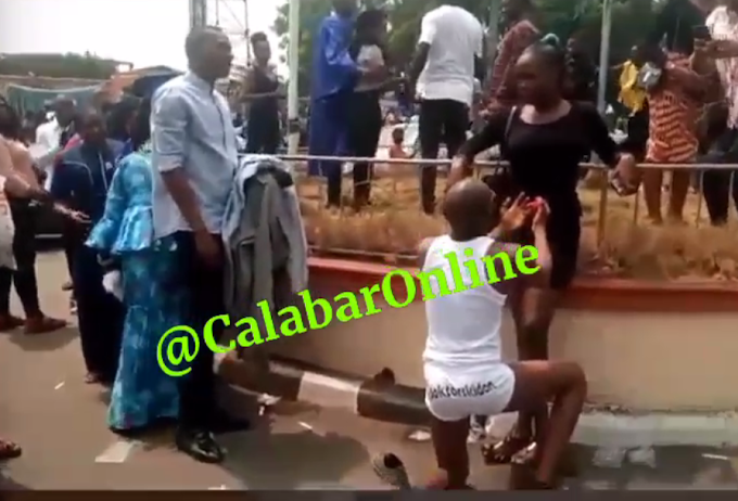Unical Matric: lady rejects man's proposal after taking off his clothes (video)
