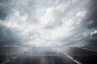 Pengaruh Intensitas Cahaya Pada Panel Surya