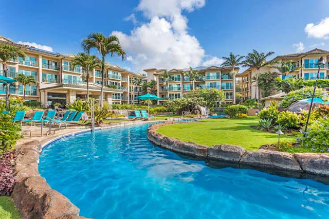 If you're seeking the premier Kapaa vacation condo experience, look no further. Waipouli Beach Resorts & Spa, a deluxe oceanfront condominium property offers luxurious units with rich hardwood furnishings, gourmet kitchens, and spacious baths.