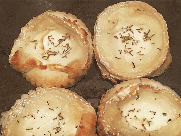 Christmas treats #3: Goat's cheese tarts