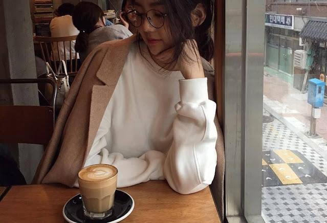 latte korea girl cafe