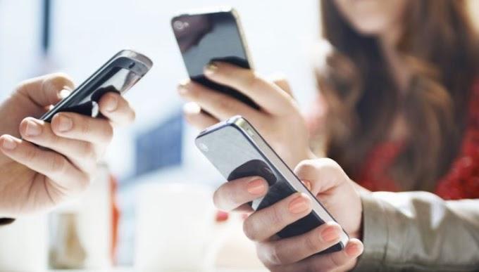 Τέλη κινητής τηλεφωνίας: Μηδενίζεται για νέους έως 29, μειώνεται στους υπόλοιπους καταναλωτές
