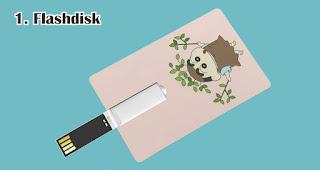 Flashdisk merupakan salah satu rekomendasi souvenir kekinian yang tepat untuk anak muda