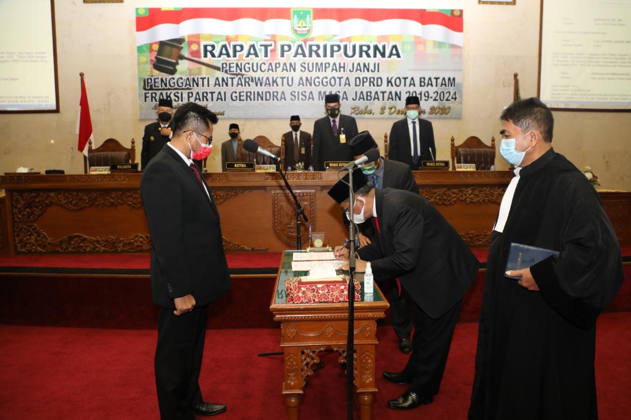 Dilantik Menjadi Anggota DPRD Kota Batam, Pjs Walikota Batam Ucapkan Selamat Kepada Capt Luther Jansen