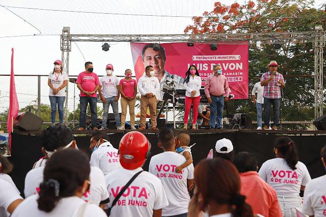 """""""Solo hay dos opciones: votar por la corrupción, o votar por el cambio en Kanasín"""": Luis Pavón."""