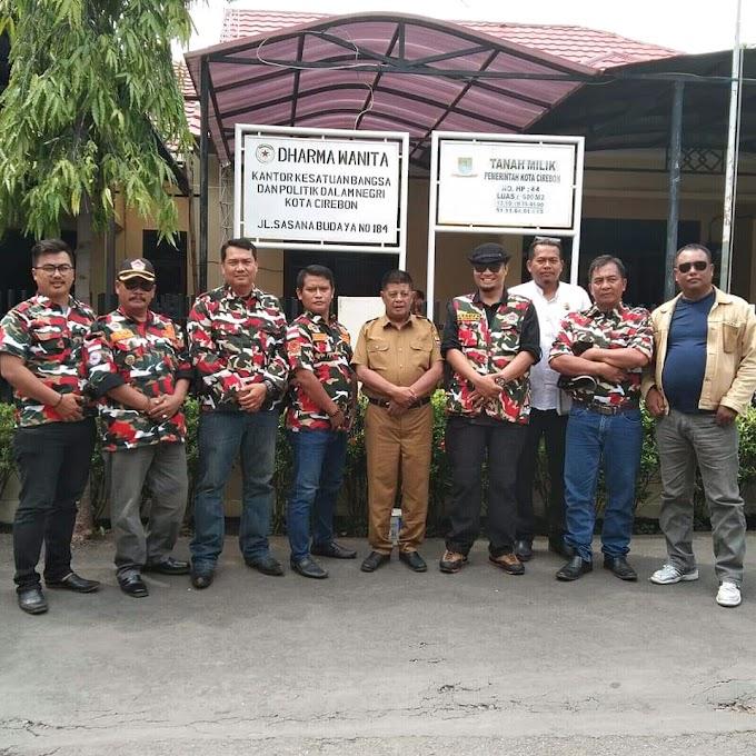 Penyerahan Pembekuan SK LMPI Kota Cirebon Menjadi LMPI Cirebon Raya