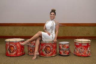 Rainha de bateria da Estácio de Sá participou do Festival de Culinária Chinês no Rio de Janeiro