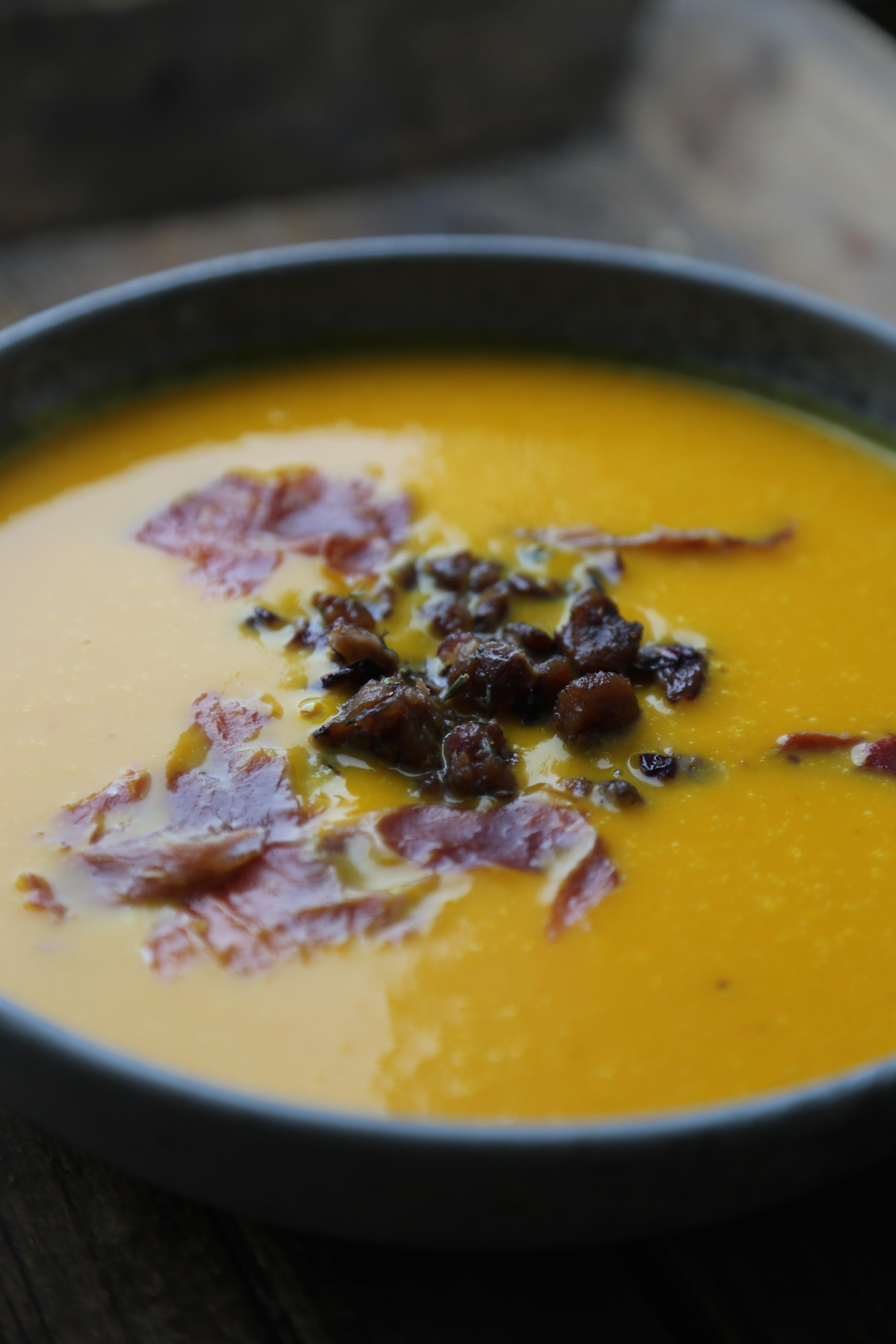 potimarron , chataignes , lard , soupe complete
