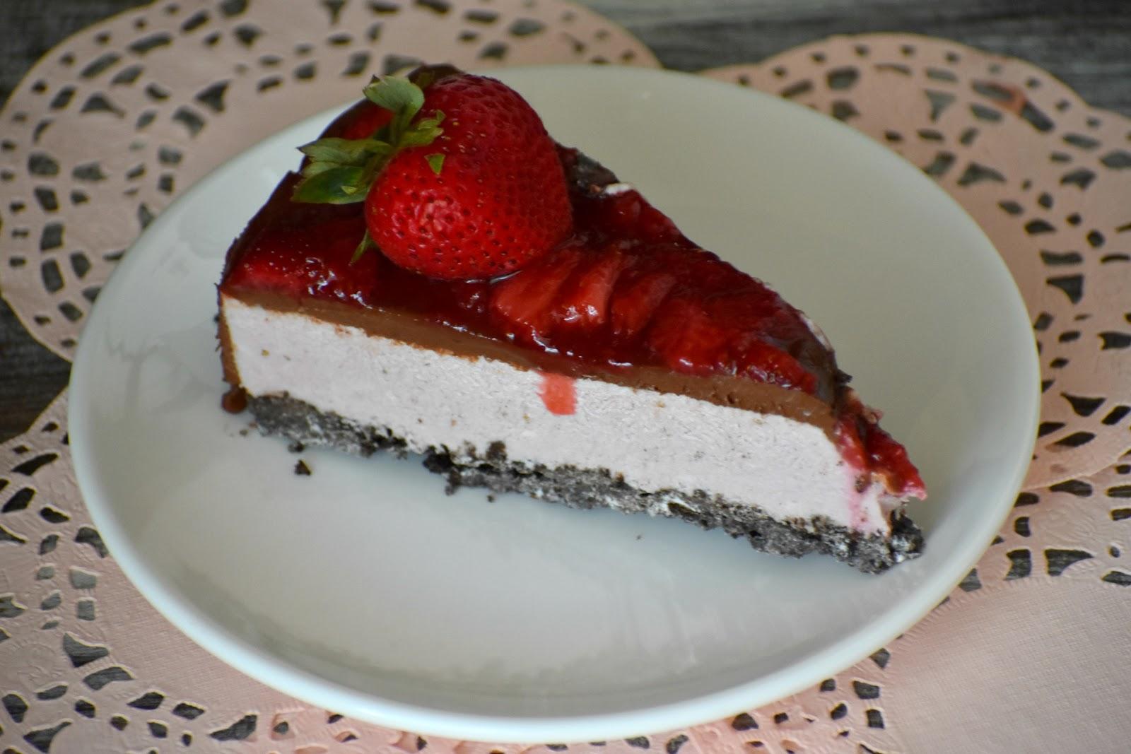 Strawberry Chocolate No Bake Cheesecake Gluten Free and Vegan