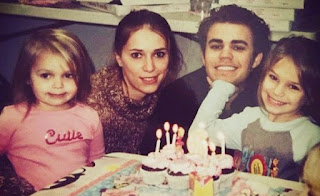 Leah Wasilewski childhood picture with her mother and siblings