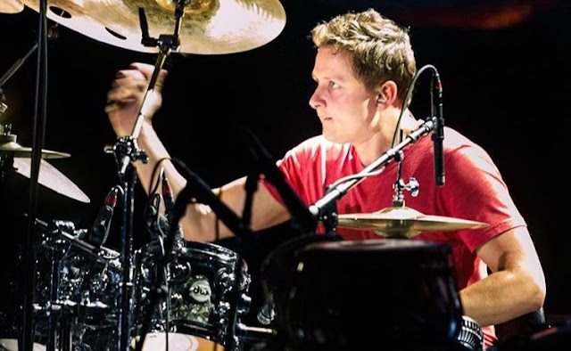 Taylor Simpson is Junoon's drummer, a qualified musician, and a music producer. Read Taylor's biography on Musicians of Pakistan.