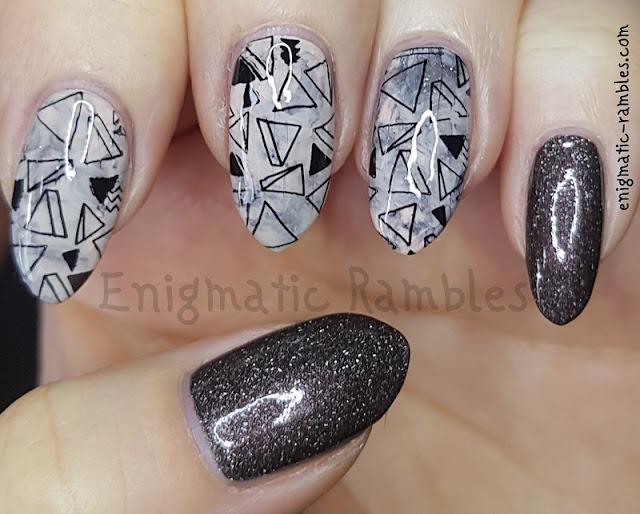 Geometric-Marble-Nails