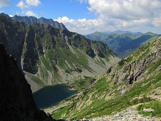 Dolina Piarżysta i Wyżni Ciemnosmreczyński Staw.