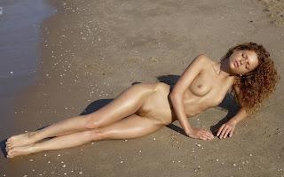 Naked brunnette - Julia%2BYaroshenko-S01-002.jpg