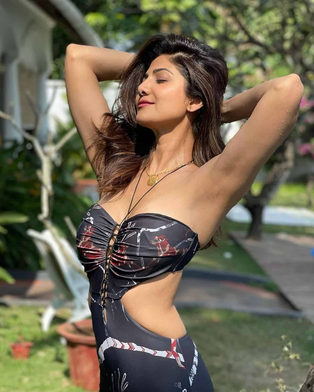 Pic Talk of the day: Shilpa Shetty Goa Poses Beat all of them