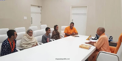 Kamlesh Tiwari Family Photo