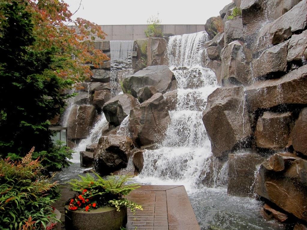 Arte y jardiner a estanques y fuentes en el jard n for Construccion de piletas de agua